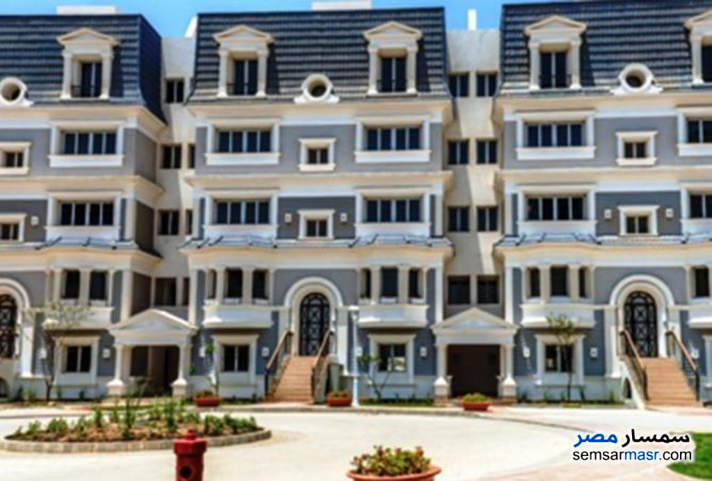 Ad Photo: Villa 4 bedrooms 4 baths 305 sqm semi finished in Fifth Settlement  Cairo