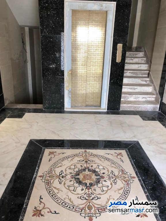 Photo 15 - Villa 6 bedrooms 5 baths 742 sqm extra super lux For Sale Shorouk City Cairo