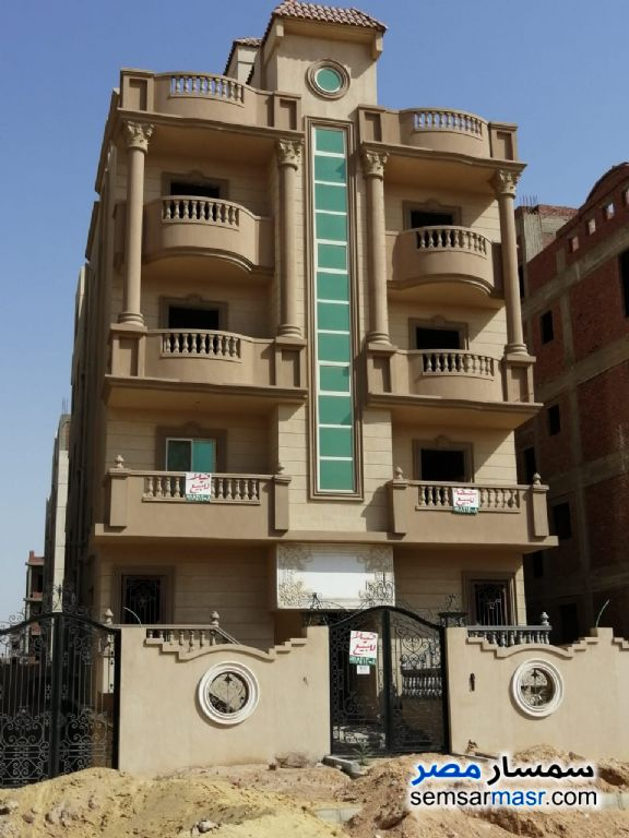 Ad Photo: Apartment 4 bedrooms 3 baths 275 sqm semi finished in North Extensions  6th of October