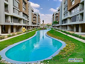 Ad Photo: Apartment 3 bedrooms 3 baths 174 sqm semi finished in Shorouk City  Cairo