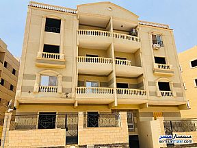 Ad Photo: Apartment 3 bedrooms 2 baths 212 sqm semi finished in Shorouk City  Cairo