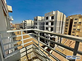 Ad Photo: Apartment 2 bedrooms 1 bath 70 sqm semi finished in October Gardens  6th of October