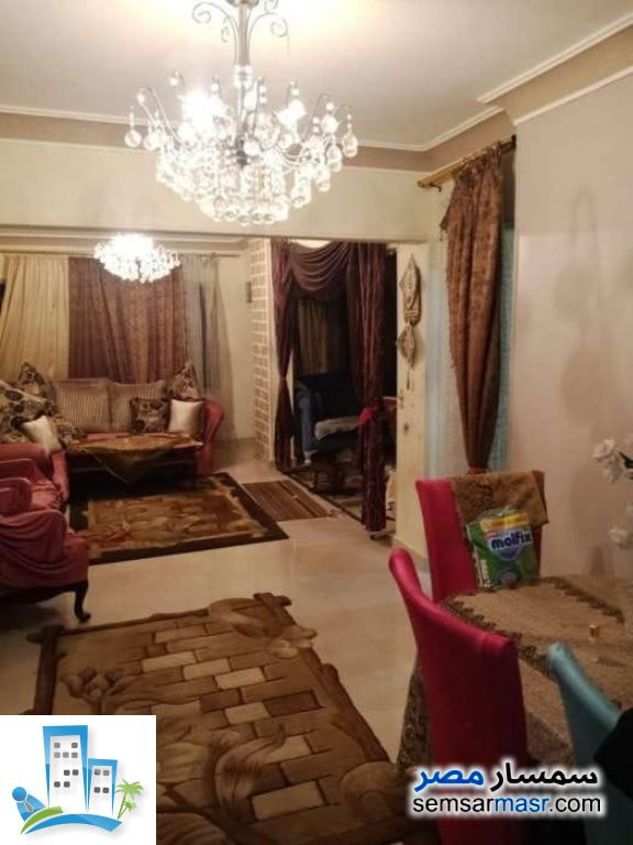 Ad Photo: Apartment 3 bedrooms 1 bath 130 sqm in Zeitoun  Cairo