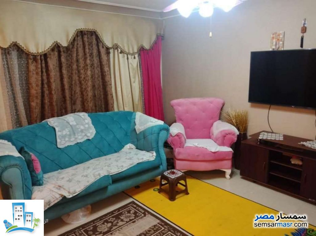 Ad Photo: Apartment 3 bedrooms 1 bath 120 sqm without finish in Zeitoun  Cairo