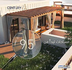 Ad Photo: Apartment 2 bedrooms 2 baths 100 sqm super lux in First Settlement  Cairo