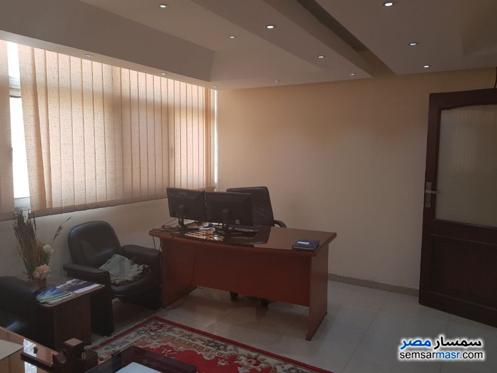 Photo 10 - Apartment 6 bedrooms 3 baths 365 sqm extra super lux For Rent Maadi Cairo