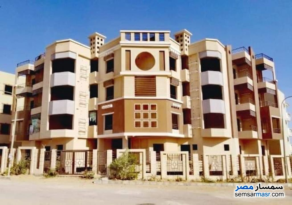 Ad Photo: Apartment 3 bedrooms 1 bath 120 sqm semi finished in El Ubour City  Qalyubiyah