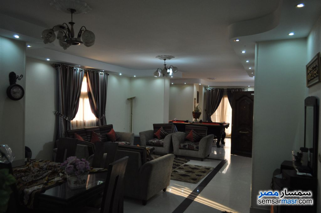 Photo 1 - Apartment 3 bedrooms 2 baths 255 sqm extra super lux For Sale Hadayek Al Ahram Giza