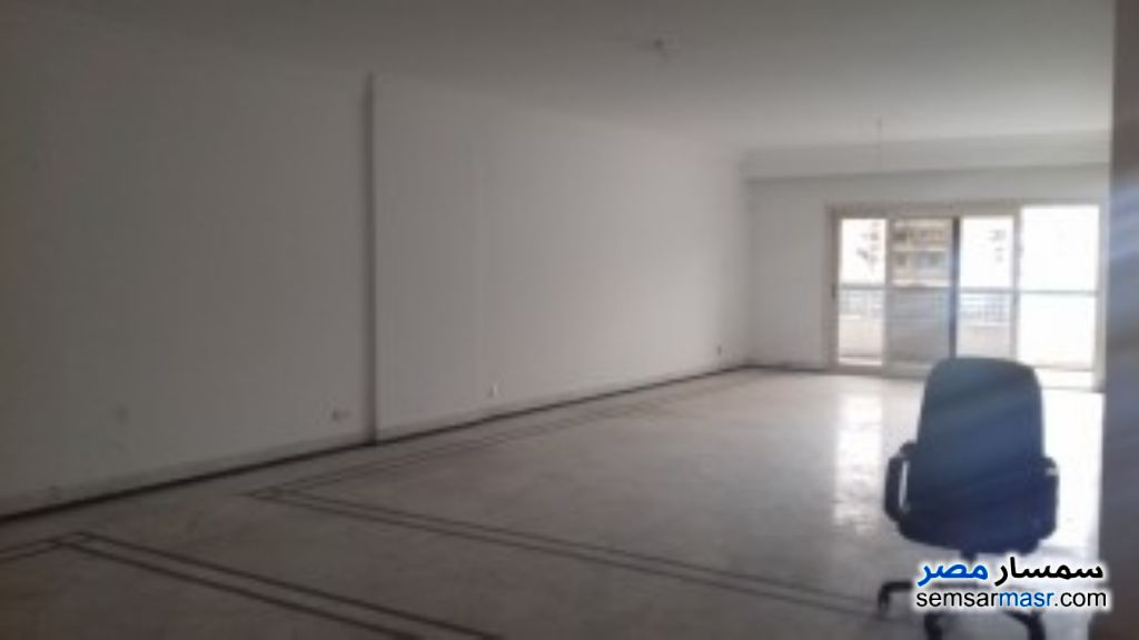 Ad Photo: Apartment 2 bedrooms 1 bath 90 sqm super lux in Giza