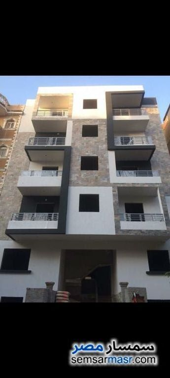 Ad Photo: Apartment 3 bedrooms 1 bath 125 sqm semi finished in Districts  6th of October