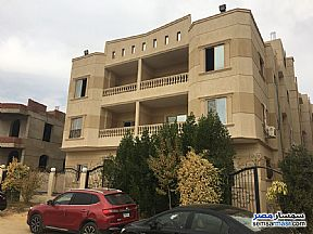 Ad Photo: Apartment 4 bedrooms 3 baths 215 sqm semi finished in Shorouk City  Cairo