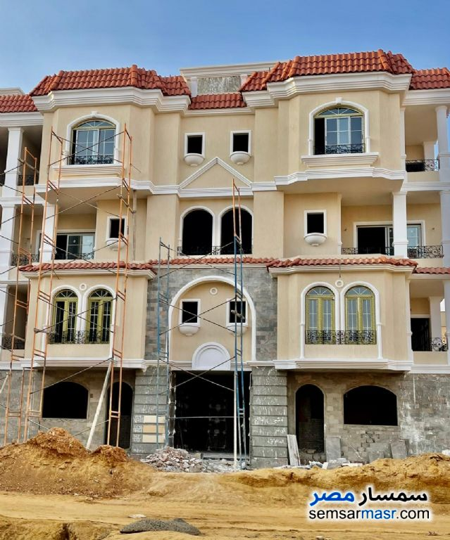 Ad Photo: Villa 4 bedrooms 4 baths 328 sqm semi finished in North Extensions  6th of October