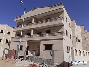 Ad Photo: Apartment 3 bedrooms 1 bath 145 sqm semi finished in Shorouk City  Cairo