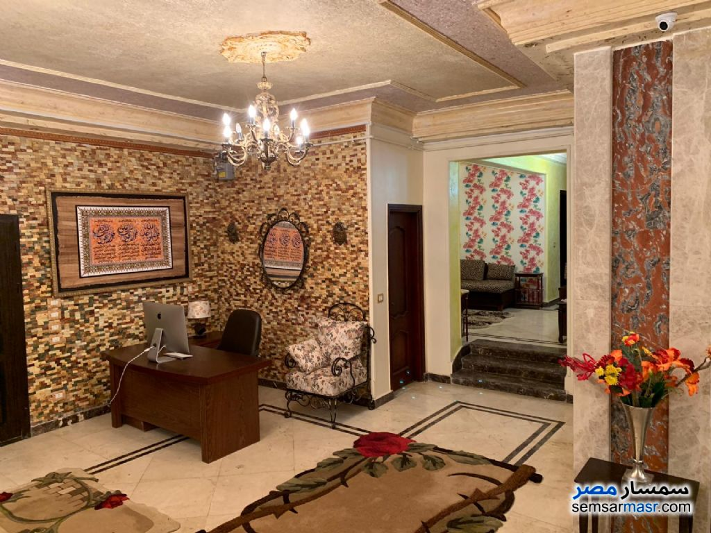 Photo 2 - Apartment 4 bedrooms 3 baths 300 sqm extra super lux For Sale Fifth Settlement Cairo