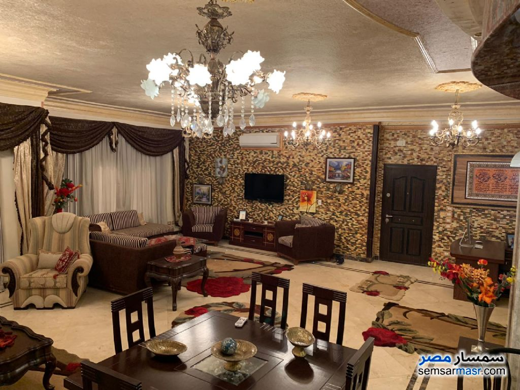 Photo 13 - Apartment 4 bedrooms 3 baths 300 sqm extra super lux For Sale Fifth Settlement Cairo