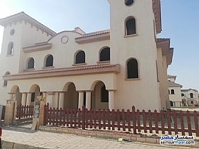 Ad Photo: Villa 3 bedrooms 3 baths 275 sqm without finish in Rehab City  Cairo