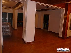 Ad Photo: Apartment 3 bedrooms 2 baths 250 sqm super lux in Zamalek  Cairo