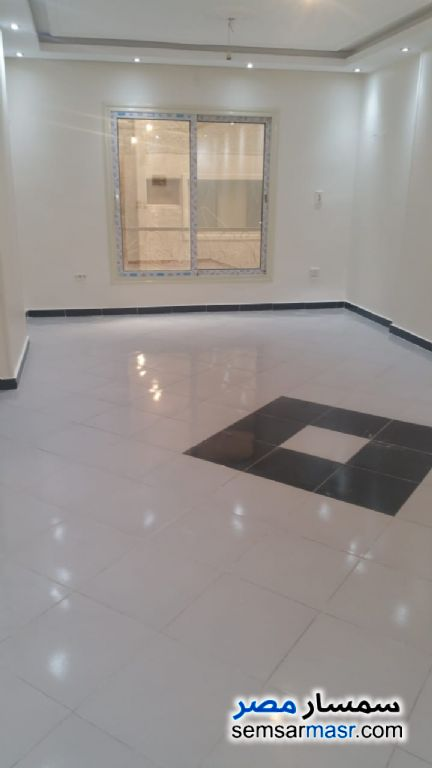 Photo 2 - Apartment 3 bedrooms 1 bath 140 sqm extra super lux For Sale Faisal Giza