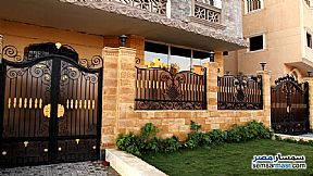 Ad Photo: Apartment 3 bedrooms 3 baths 200 sqm semi finished in Shorouk City  Cairo