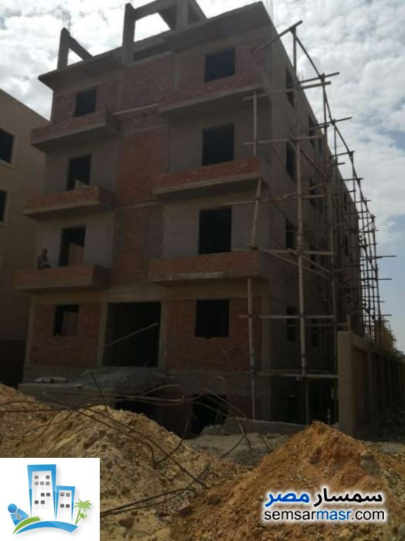 Ad Photo: Apartment 2 bedrooms 2 baths 138 sqm semi finished in North Extensions  6th of October