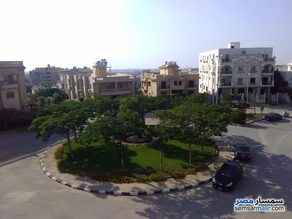 Photo 1 - Apartment 4 bedrooms 3 baths 267 sqm without finish For Sale Fifth Settlement Cairo