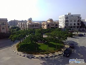 Ad Photo: Apartment 4 bedrooms 3 baths 267 sqm without finish in Fifth Settlement  Cairo
