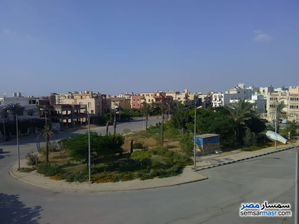 Photo 2 - Apartment 4 bedrooms 3 baths 267 sqm without finish For Sale Fifth Settlement Cairo