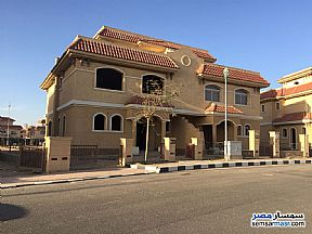 Ad Photo: Villa 3 bedrooms 3 baths 370 sqm without finish in Madinaty  Cairo