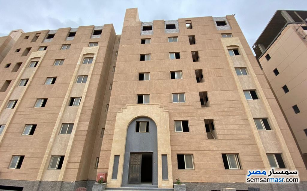 Ad Photo: Apartment 5 bedrooms 4 baths 202 sqm semi finished in October Gardens  6th of October