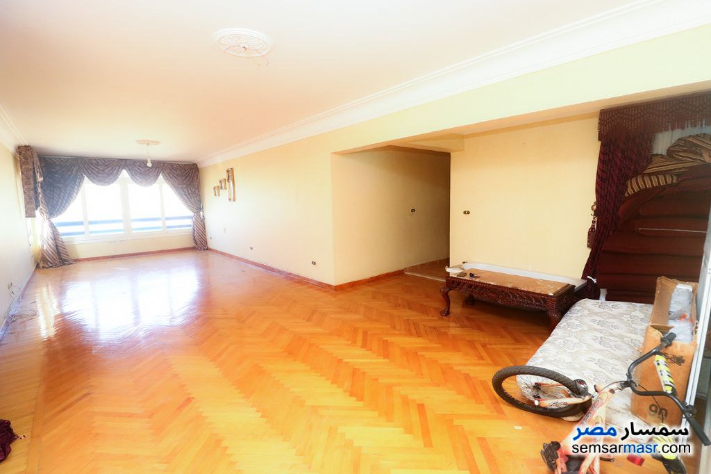 Ad Photo: Apartment 3 bedrooms 1 bath 165 sqm super lux in Zezenia  Alexandira