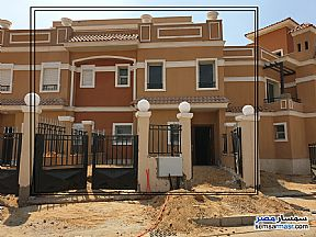 Ad Photo: Villa 3 bedrooms 3 baths 220 sqm semi finished in Shorouk City  Cairo