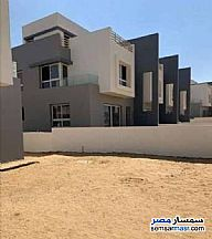 Ad Photo: Villa 5 bedrooms 4 baths 247 sqm semi finished in First Settlement  Cairo