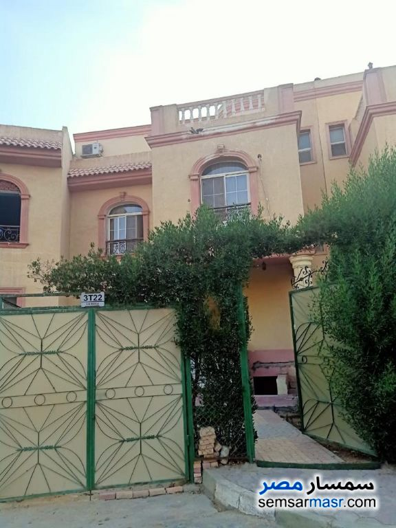 Ad Photo: Villa 6 bedrooms 3 baths 600 sqm super lux in First Settlement  Cairo