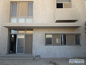 Villa 4 bedrooms 4 baths 350 sqm semi finished For Sale Sheikh Zayed 6th of October - 4