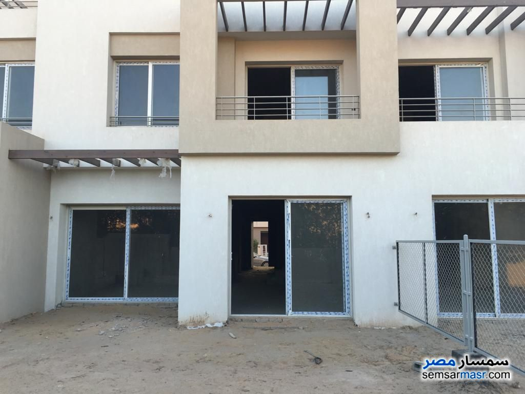 Ad Photo: Apartment 4 bedrooms 3 baths 244 sqm semi finished in Palm Hills  6th of October