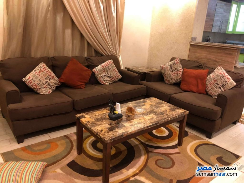 Ad Photo: Apartment 2 bedrooms 2 baths 90 sqm super lux in Giza