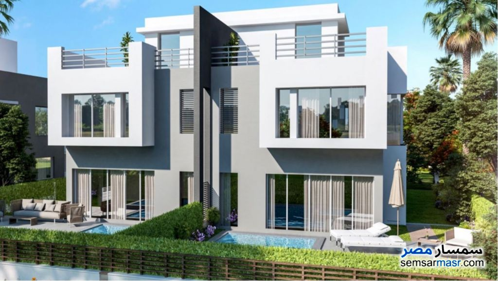 Ad Photo: Villa 5 bedrooms 5 baths 279 sqm without finish in Fifth Settlement  Cairo