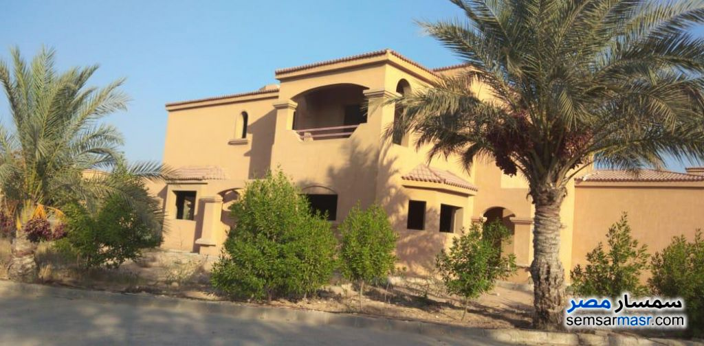 Ad Photo: Villa 9 bedrooms 4 baths 1932 sqm semi finished in Cairo Alexandria Desert Road  Giza