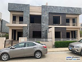 Ad Photo: Villa 3 bedrooms 4 baths 440 sqm semi finished in Sheikh Zayed  6th of October