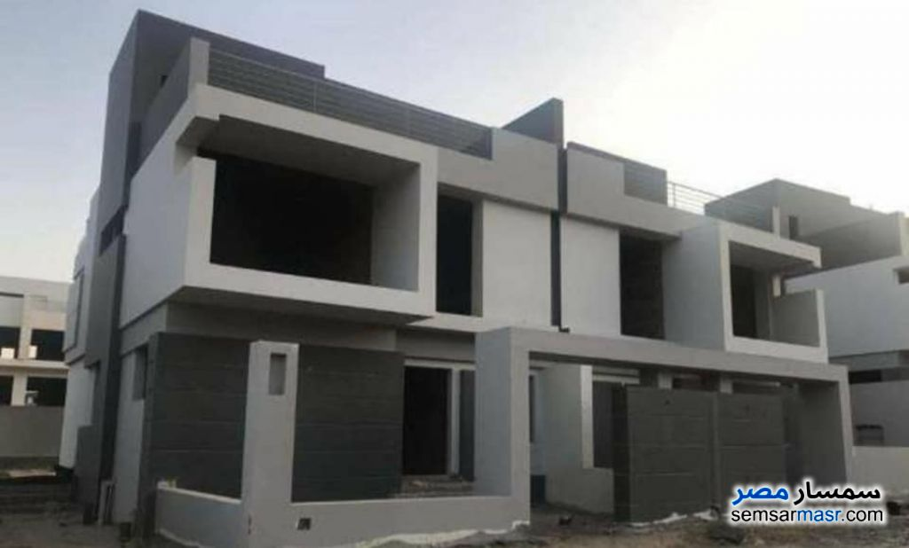Ad Photo: Villa 4 bedrooms 4 baths 210 sqm semi finished in Haram City  6th of October