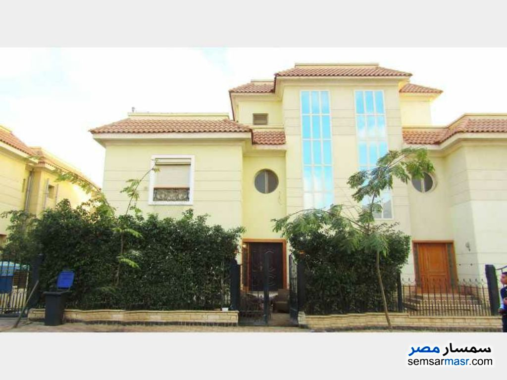 Photo 14 - Villa 4 bedrooms 4 baths 300 sqm extra super lux For Sale Shorouk City Cairo