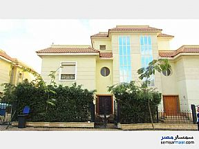 Villa 4 bedrooms 4 baths 300 sqm extra super lux For Sale Shorouk City Cairo - 14