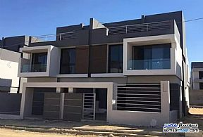 Ad Photo: Villa 4 bedrooms 4 baths 289 sqm without finish in Cairo Alexandria Desert Road  Giza