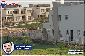 Ad Photo: Villa 5 bedrooms 5 baths 445 sqm semi finished in Sheikh Zayed  6th of October
