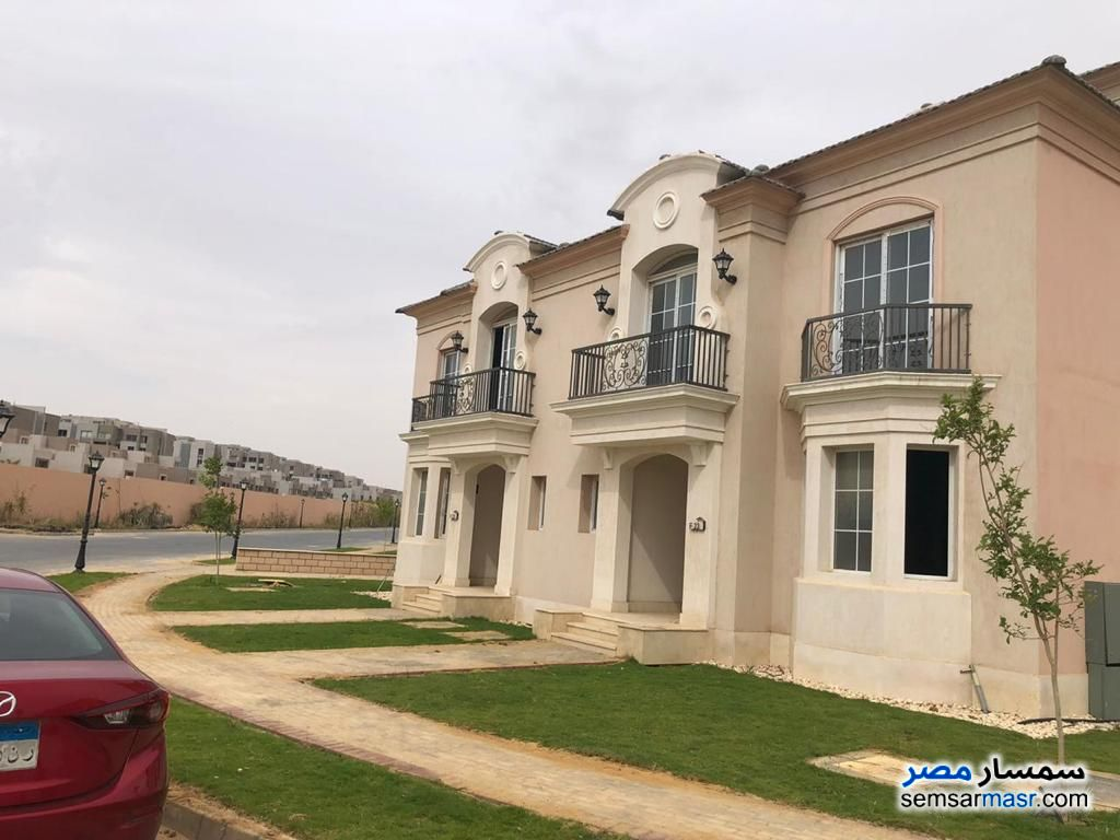 Photo 3 - Villa 4 bedrooms 5 baths 326 sqm without finish For Sale Fifth Settlement Cairo
