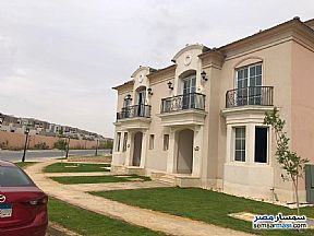 Villa 4 bedrooms 5 baths 326 sqm without finish For Sale Fifth Settlement Cairo - 3