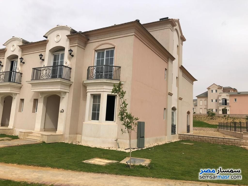 Photo 5 - Villa 4 bedrooms 5 baths 326 sqm without finish For Sale Fifth Settlement Cairo