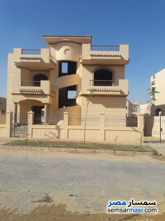 Photo 1 - Villa 3 bedrooms 4 baths 602 sqm semi finished For Sale Dreamland 6th of October