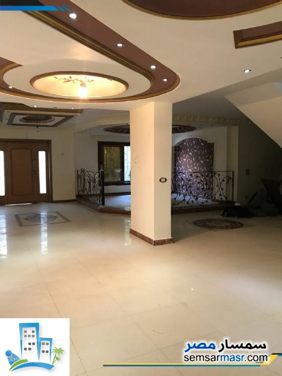 Ad Photo: Apartment 4 bedrooms 3 baths 389 sqm extra super lux in Hadayek Al Ahram  Giza