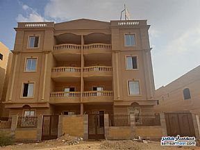Ad Photo: Apartment 6 bedrooms 3 baths 370 sqm semi finished in Shorouk City  Cairo